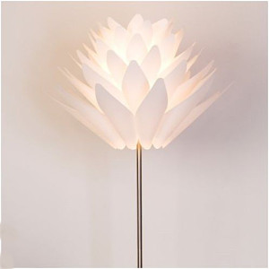 designova-stojaci-lampa-felicia_429